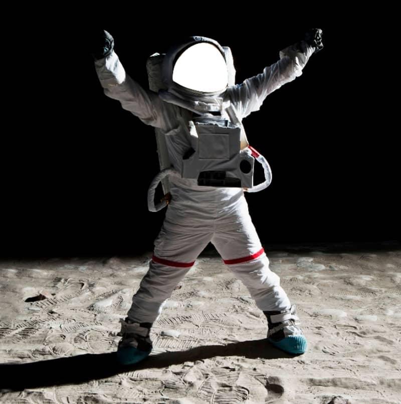 вставить фото в костюм космонавта цены объявлений недвижимости